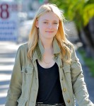 Dakota Fanning / Michael Sheen - Imagenes/Videos de Paparazzi / Estudio/ Eventos etc. - Página 2 178da1105442696