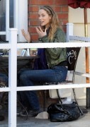 Nov 26, 2010 - Elizabeth Berkley - The Urth Cafe in Beverly Hills 380fe2108483188