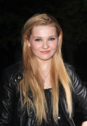 Эбигейл Бреслин, фото 5. Actress Abigail Breslin attends the Vanity Fair party during the 10th annual Tribeca Film Festival at State Supreme Courthouse on April 27, 2011 in New York City., photo 5