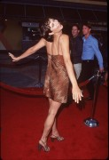 Кэтрин Бэлл, фото 43. Catherine Bell - 'Out of Sight' Premiere 17.6.1998, photo 43
