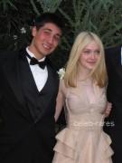 Dakota Fanning / Michael Sheen - Imagenes/Videos de Paparazzi / Estudio/ Eventos etc. - Página 4 E9f95e140870918