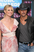 Faith Hill @ 2010 CMT Music Awards June 9th HQ x 2