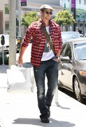 Kellan Lutz out shopping in Hollywood - July 29th, 2010 C8f4e690792098